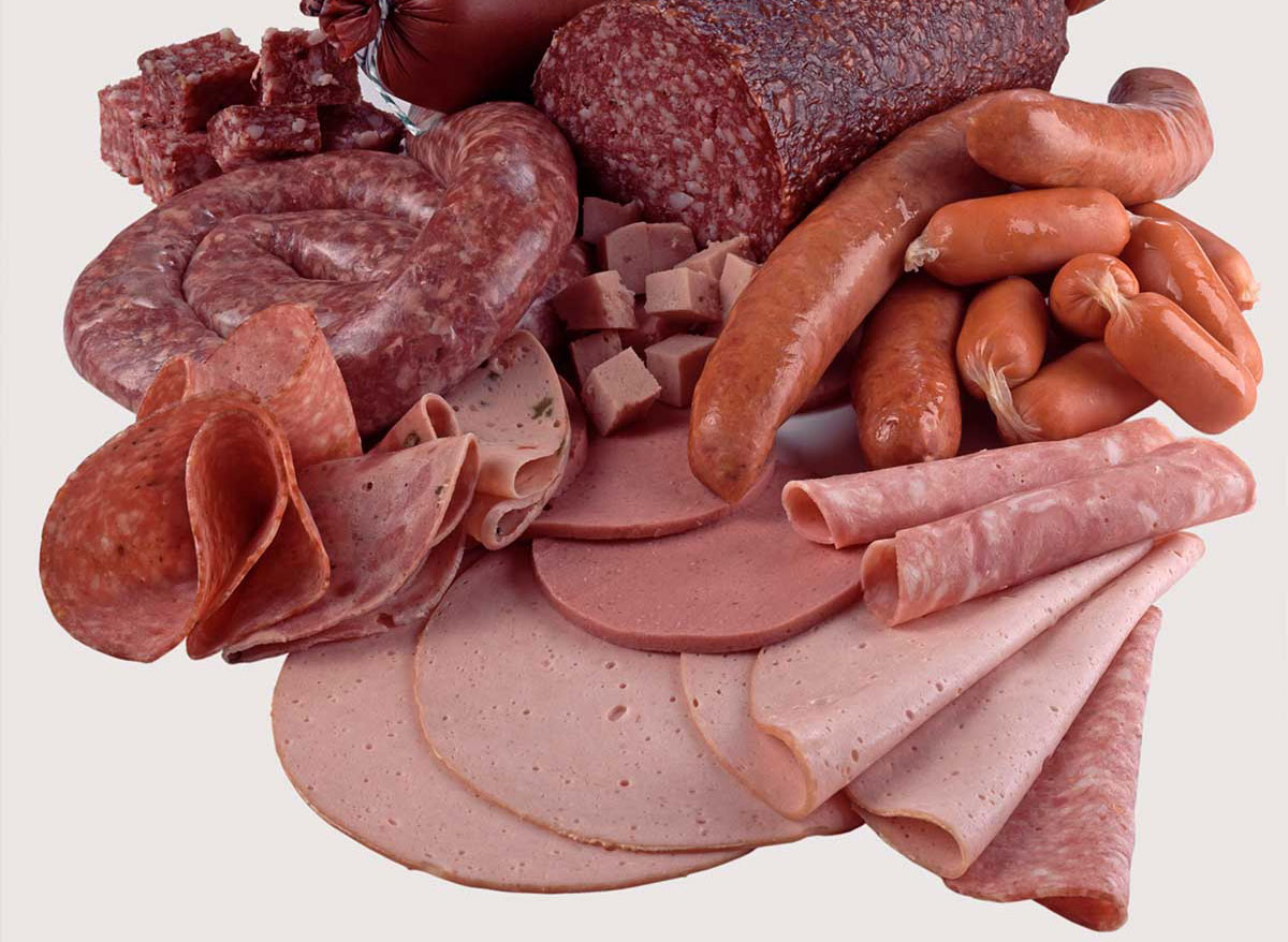 Assortment-of-different-cold-meats-3